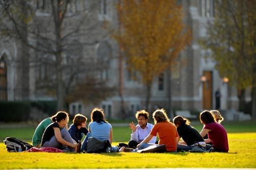 留学申请:美国与英国该如何选择?