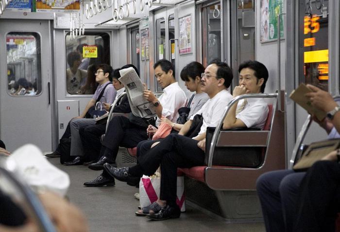 """<b>日本地铁发达,可却是日本女性的""""噩梦"""",大部分人宁可走路也不坐地铁!</b>"""