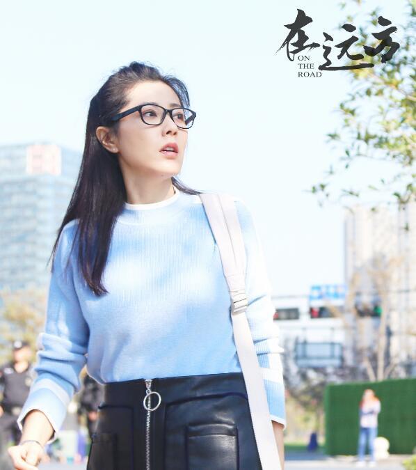 """《在远方》低调开播,聚焦快递行业,马伊琍刘烨上演""""谍战""""爱情"""