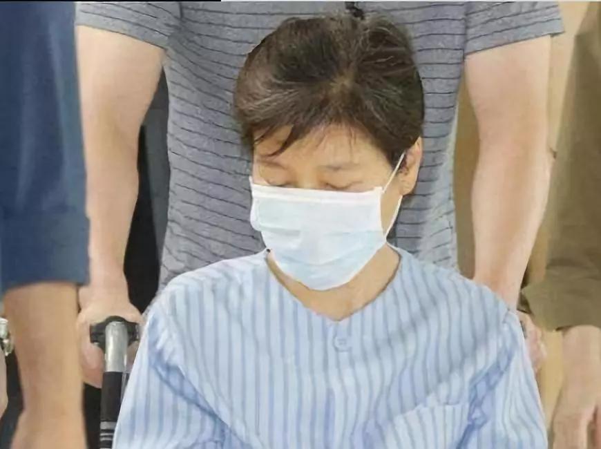 VIP病房一天花费327万韩元,支持者踊跃募捐,朴槿惠居然不接受!