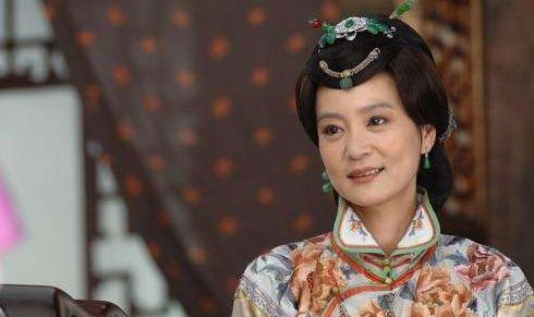 <b>她因出演琼瑶剧而走红,结婚后还不做家务,但丈夫却不幸坠楼身亡</b>