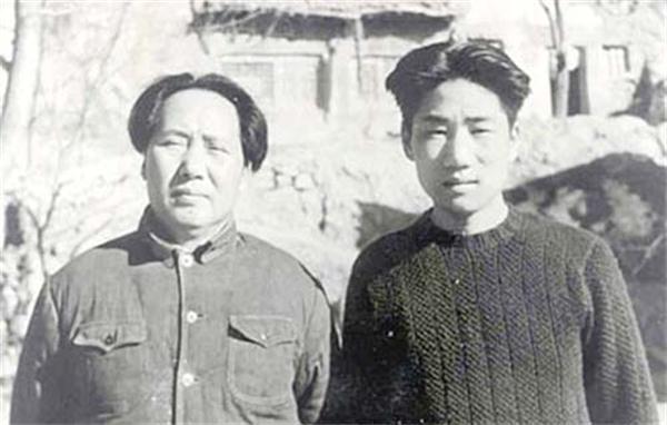 毛岸英14岁前往苏联,回国时带了一件东西,直到牺牲一直带在身边