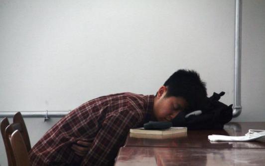 教育部一则通知,让大学比高中还累,研究生更累,网友:好事!