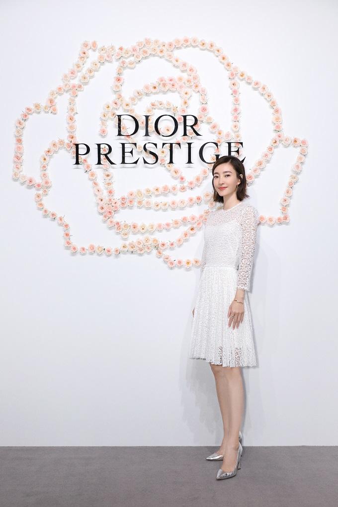 """""""素颜女神""""王丽坤成为Dior迪奥花秘瑰萃形象大使"""