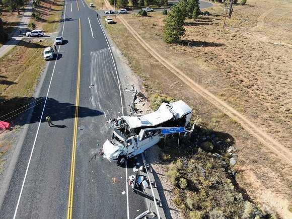 美国调查员公布中国旅游团车祸最新调查结果:大巴司机为入职后第一次驾驶上路