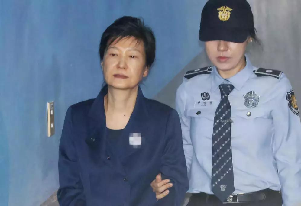 迎反转!两次递交缓刑申请被驳回后,朴槿惠迎来重获希望的曙光