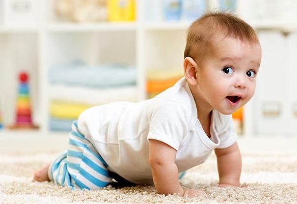 小宝宝经常打嗝,很多时候并不是病了,而只是传达了这么一个信号