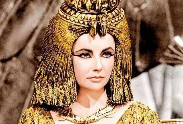 伊丽莎白.泰勒《埃及艳后》中的15张美照,尽情演绎女王传奇人生
