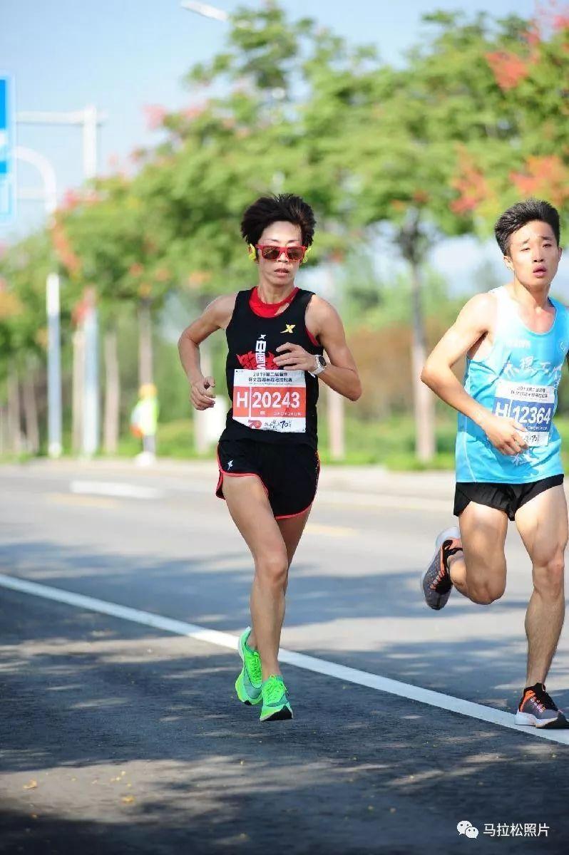 2019淄博环文昌湖半程马拉松图片记录