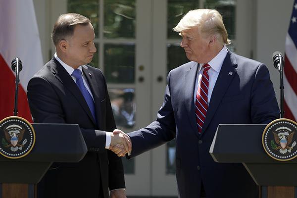 美波发表军事协作结合声明,特朗普称将从欧洲多地向波兰调兵