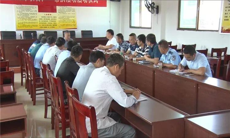 刘朝晖在马田镇调研脱贫攻坚、扫黑除恶、禁毒等工作