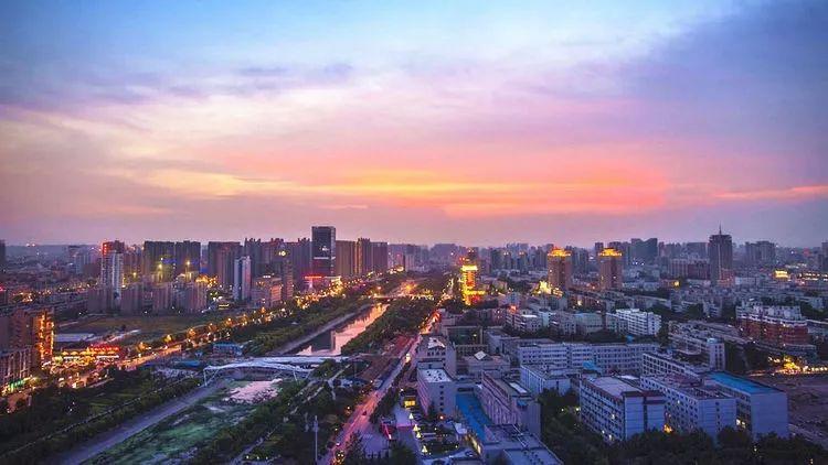 郑州市2020年的gdp是多少_郑州市2020年规划图