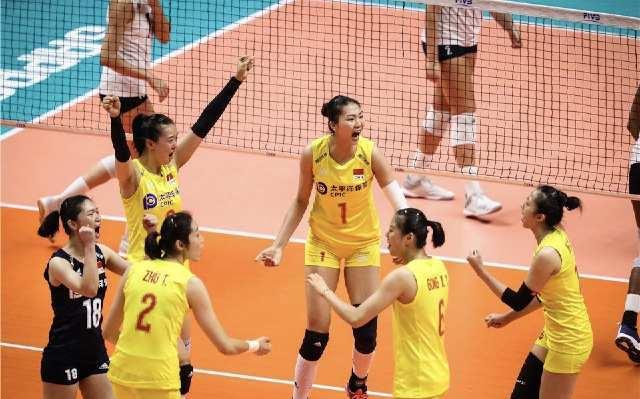 <b>7连胜!中国女排3-0横扫美国,稳居第一冲击世界杯第5冠</b>