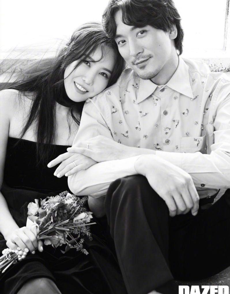权志龙姐姐与43岁男星金民俊的婚纱照曝光,颜值超高太幸福啦