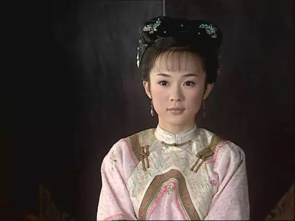 舒畅和霍思燕同时出演董鄂妃,一个比一个加倍温婉动人
