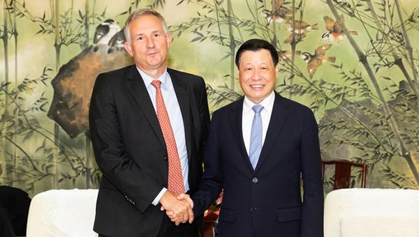 上海市长会见绝密精选B候任驻华大使、新加坡星展集团董事长_绝密精选B新闻_绝密精选B中文网