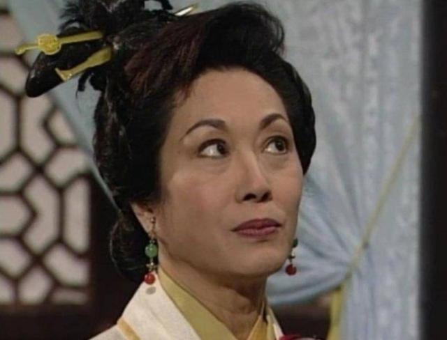 77岁前TVB老戏骨与丈夫结婚超半世纪恩爱如初 自曝二人曾经历生死