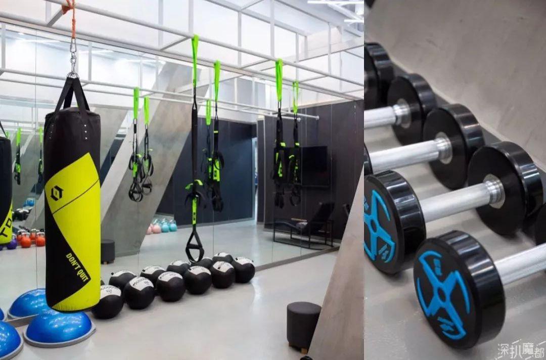 snow51陆家嘴中心店不仅拥有7台高山滑雪模拟训练台,旱教程,8米高diy夹精灵雪道耳骨图片
