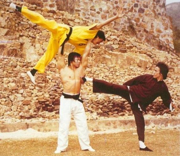 <b>李小龙 最后一部电影《龙争虎斗》戏服 亲笔信将拍卖</b>