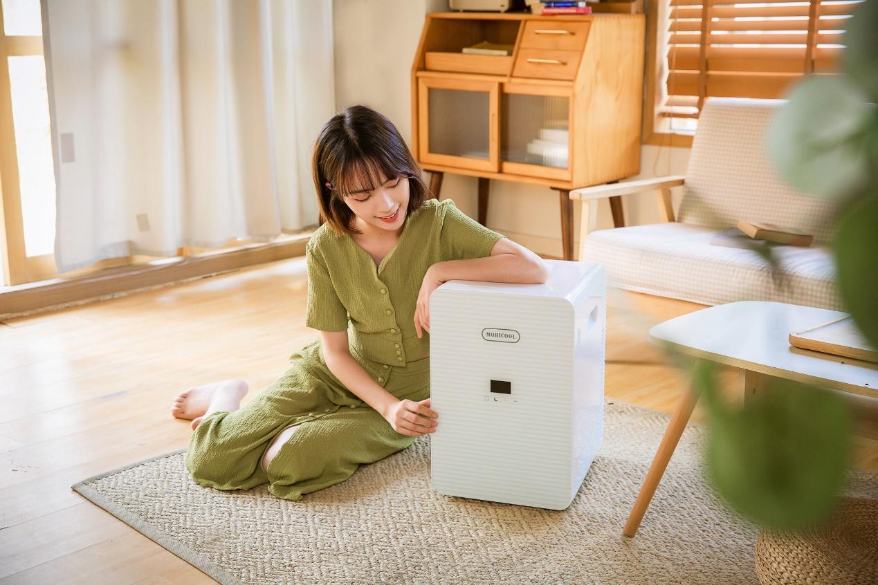 點亮精致的家居生活,用一臺小冰箱就夠了