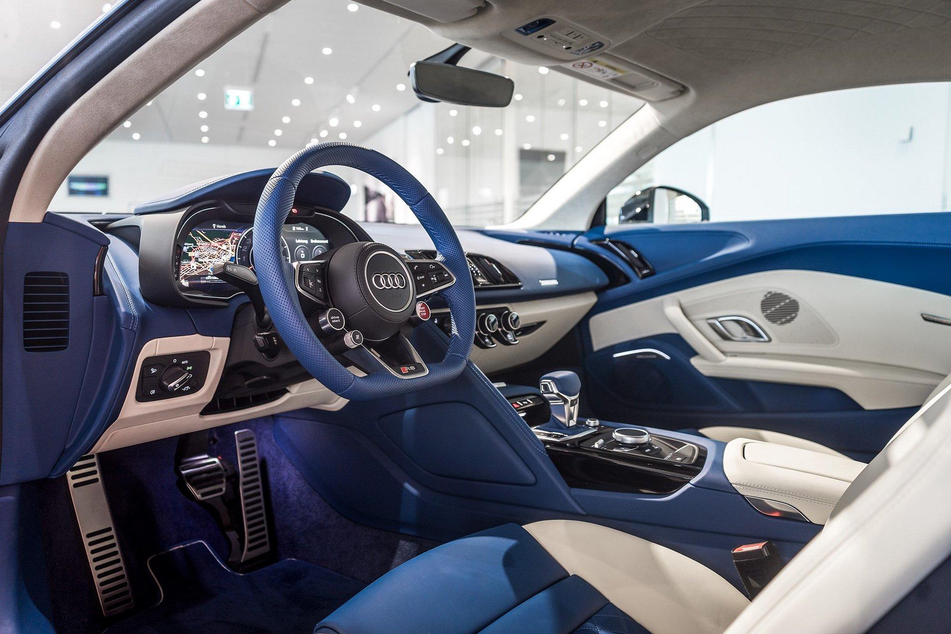 个性奢华 磨砂玻璃蓝奥迪R8 Coupe与内饰双拼色