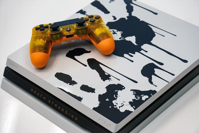 最好看的PS4限定机?恐怖机箱加黄金手柄,价格却亮了