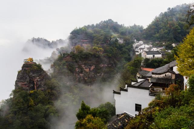 """安徽境内有座""""白岳"""",被称江南第一名山,占地约110平方千米"""