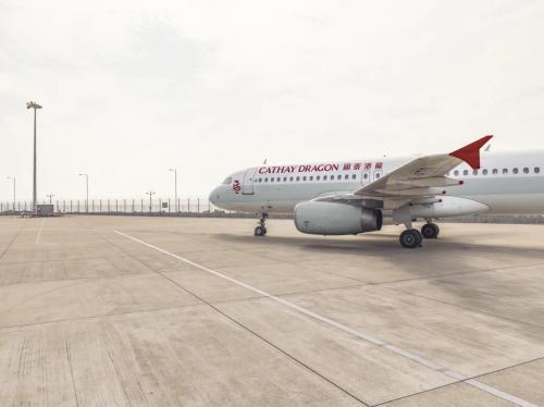 国泰航空航班再现氧气瓶压力偏低 2空服人员被解雇