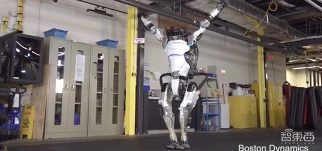 机器人挑战体操王子!波士顿动力Atlas秀神技,转体空翻有模有样