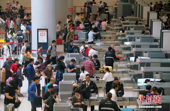 香港入境处:国庆节期间预计有737万人次出入香港