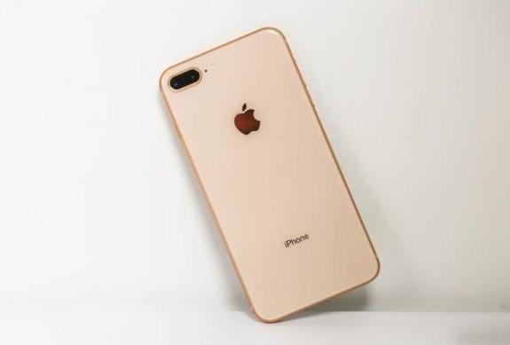 """苹果持续放大招!iPhone8p跌至""""国产价"""",现在仍旧值得入手吗"""