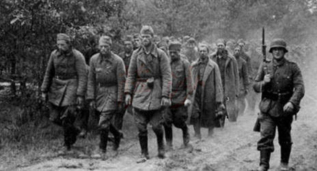二战时德军对苏联女兵做了什么让斯大林怒道必须以牙还牙图片