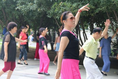 为什么欧美国家老人不爱跳广场舞?