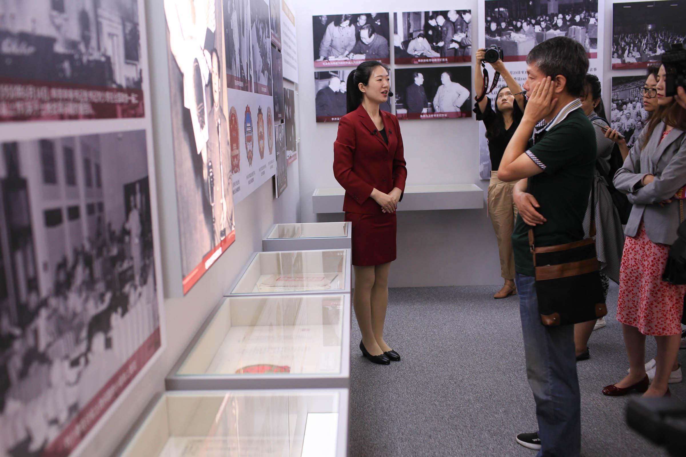 人民政协两大主题展览开展,多份历史档案首次公开