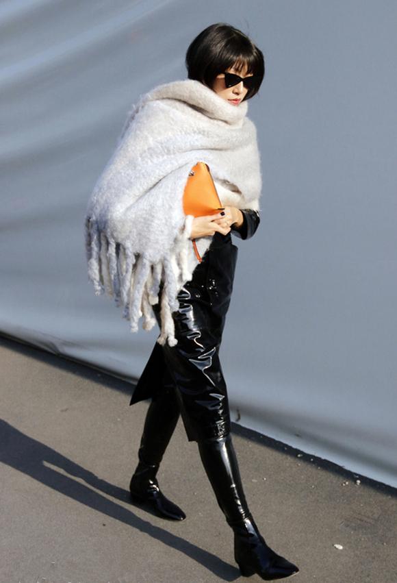 比围巾更保暖的披肩,让你轻松拥有温暖,引领潮流新风尚