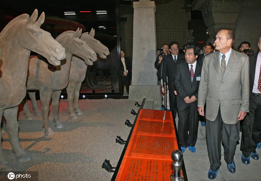 回想法主意国前总统希拉克的中国情缘