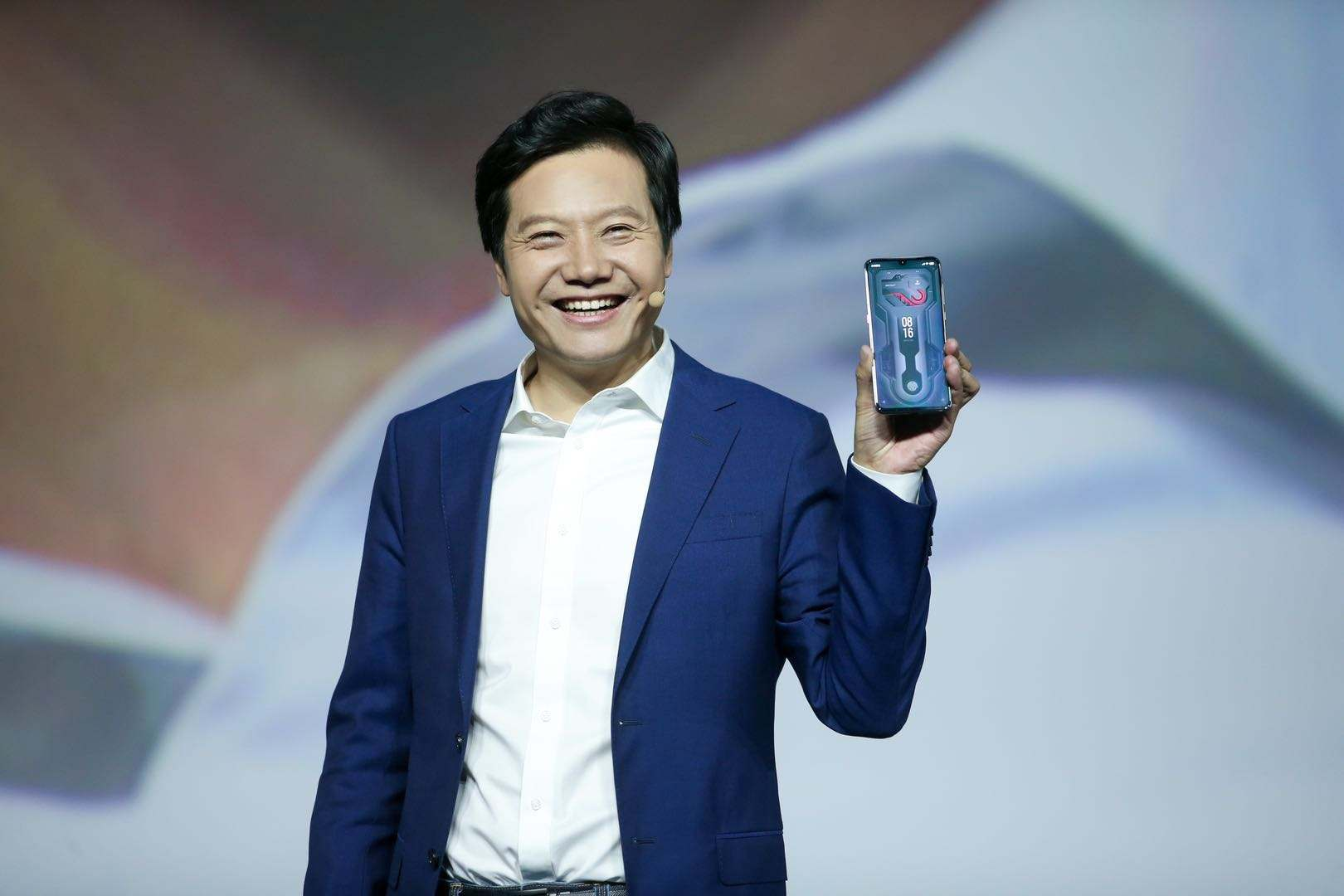 """让雷军""""非常痛苦"""",小米5G手机定价收获嘘声!谁会买?"""