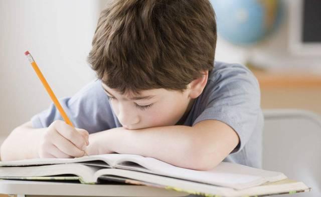 如何让孩子心甘情愿写作业?这是班主任推荐最详细的做法!