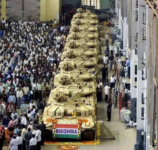 """印度最近风光无限还要采购2600辆步战车打造""""综合战斗群"""""""