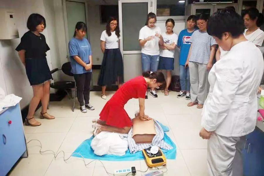 【佑安服务】技能普及,佑安医院开展全员AED操作技能培训提高救治能力