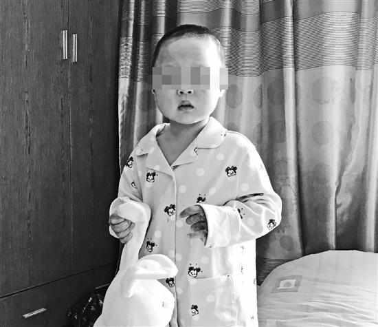 杭州一居民楼大火一家三口受伤续:3岁女童出院,妈妈已离世
