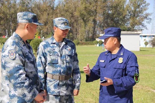 机关 | 牡丹江市消防支队联合空军、政府专职消防队等多种力量开展石油化工灭火救援联合演练