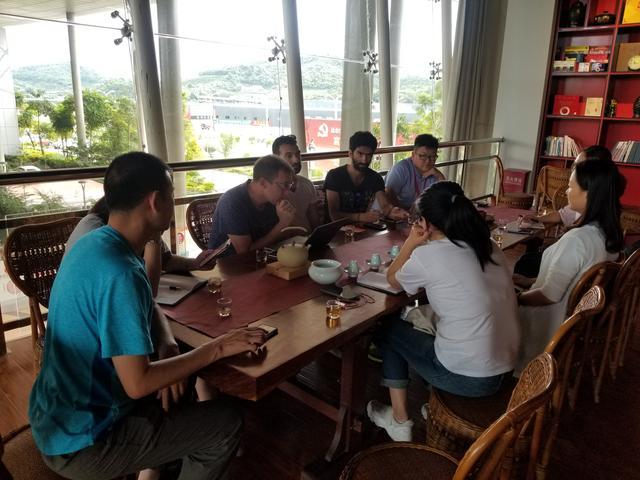 《这里是中国》摄制组抵达云南探索茶马古道之旅