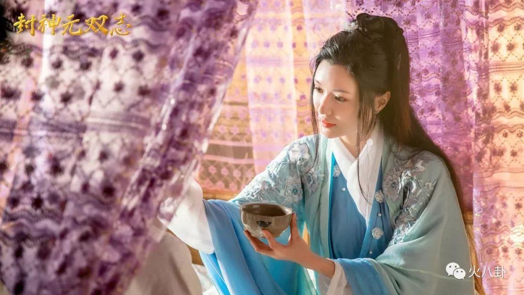 电影《封神无双志》曝谢九儿造型美照,仙气飘飘古灵精怪