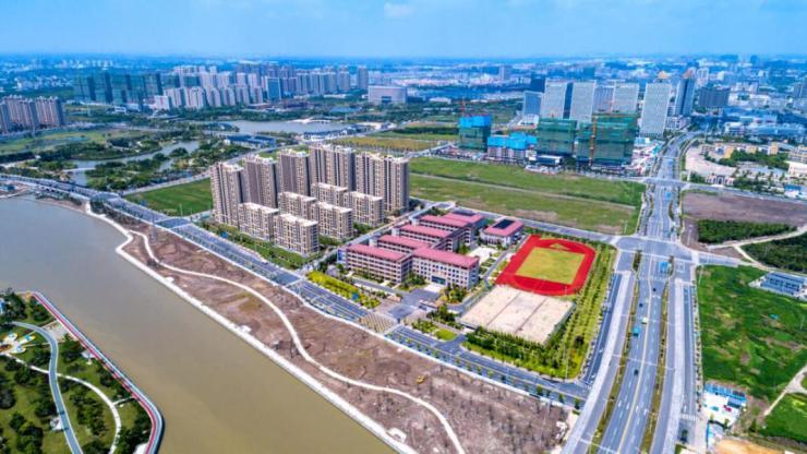龙湖·春江天玺:邂逅一城自然景致,悦享难得低密生活!
