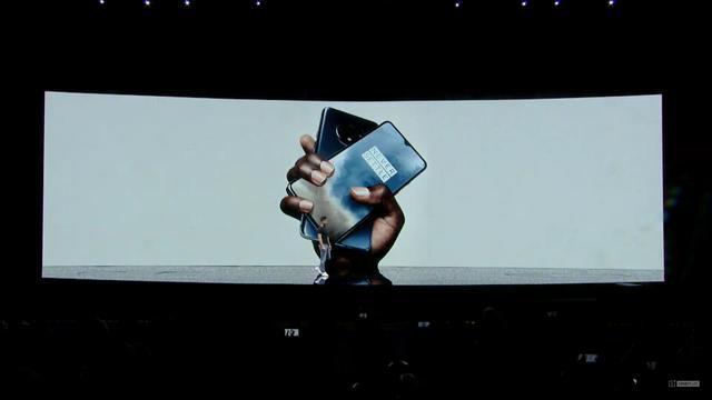 一加手机 7T正式登场:90Hz水滴屏只是小优点后置环形够创新!
