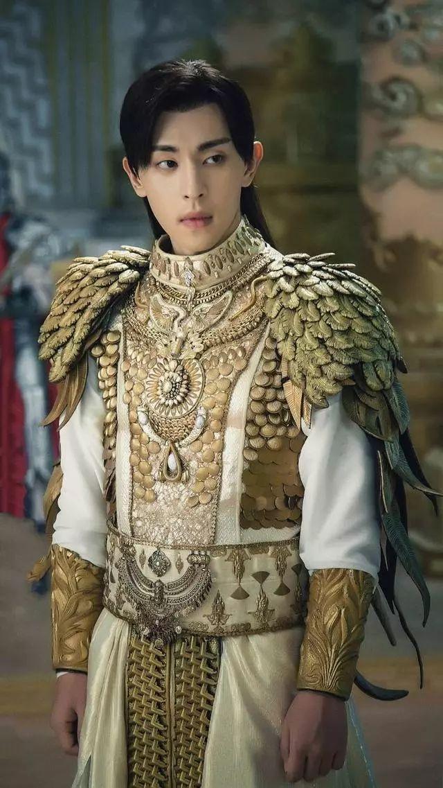 《香蜜》12套华丽造型,锦觅白色嫁衣显气质,穗禾孔雀装很迷人