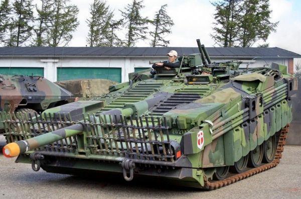 世界唯一一款没有炮塔的坦克,专为苏联设计,落后技术保密35年