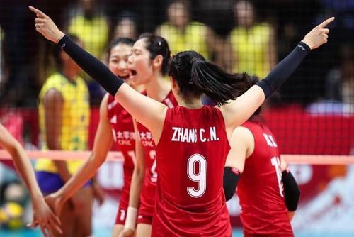 中国女排vs荷兰女排,郎平携最强阵容冲击9连胜,此胜将锁定冠军