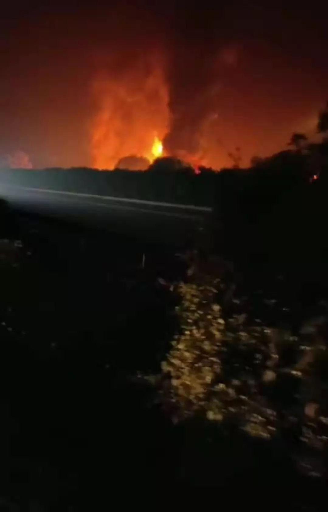 警情通报:昨夜天目湖服务区货车自燃,无人员伤亡